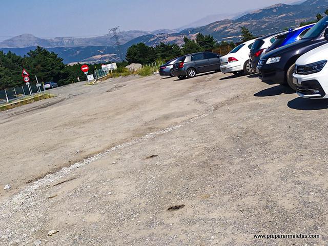 aparcamiento en el Alto del León Guadarrama