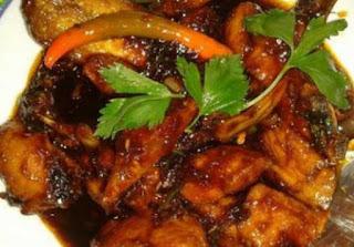 Masakan ayam bumbu lada putih sebenarnya sihh sama dengan Ayam lada hitam Ayam bumbu lada putih