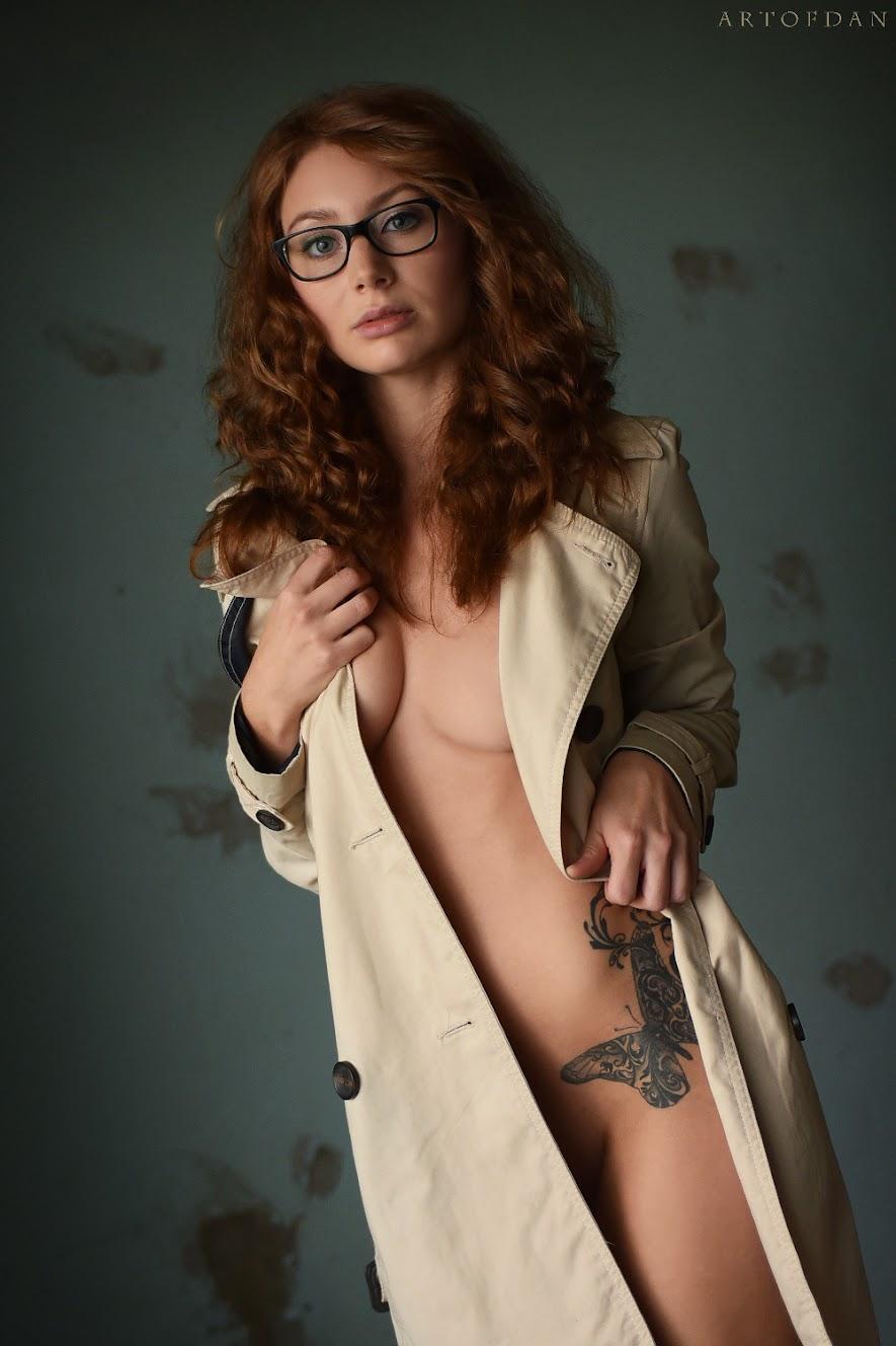 [ArtOfDan] Desiree - Trenchcoat