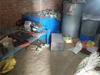 ताला तोड़कर चोरों ने नगदी समेत लाखों का गहना किया पार | #NayaSaberaNetwork
