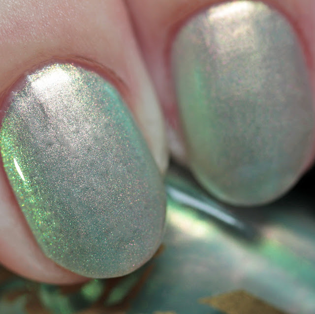 Bee's Knees Lacquer Luna's Horn