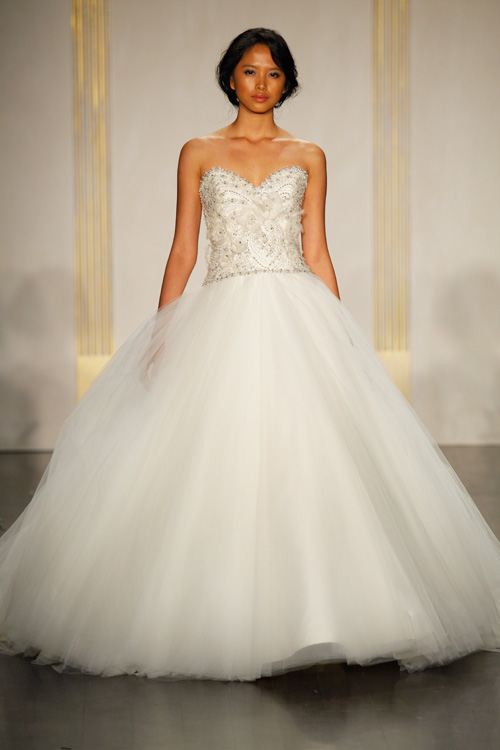 d2176e20dd66 Fashion Friday | San Diego Style Weddings