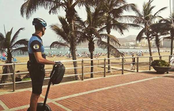 Dos policías locales agredidos en Las Canteras, Las palmas de Gran Canaria