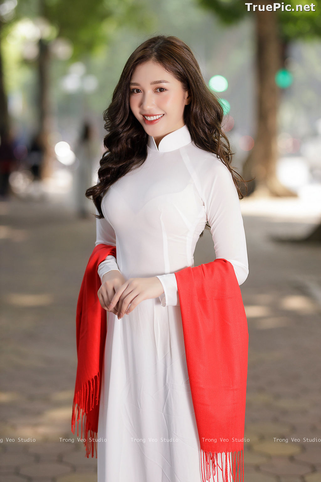 Image The Beauty of Vietnamese Girls with Traditional Dress (Ao Dai) #1 - TruePic.net - Picture-7