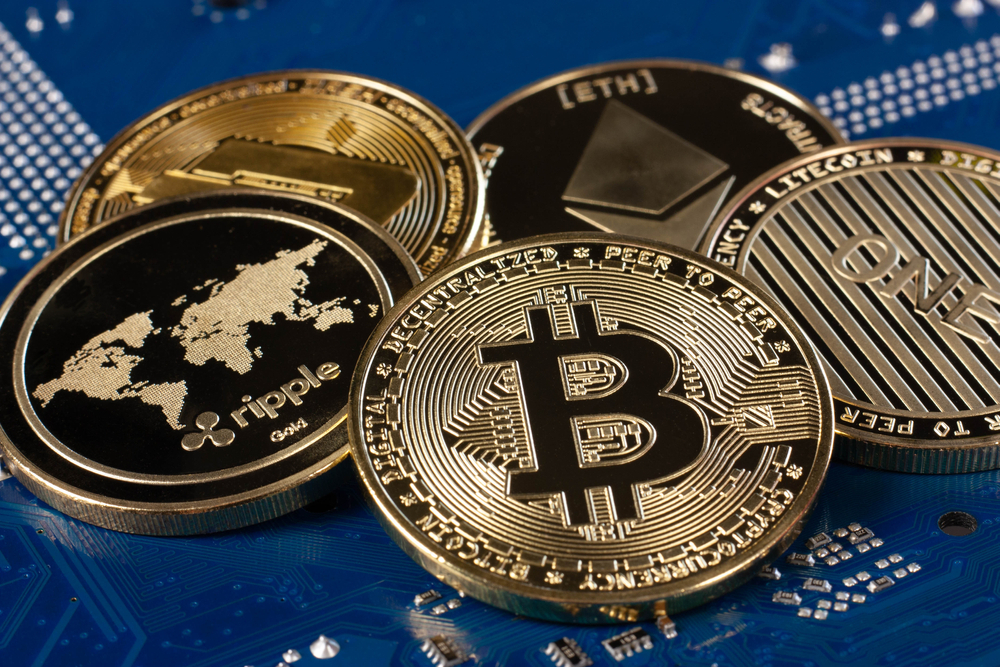 Cryptocurrencies - is it worth it or is it better to hold off