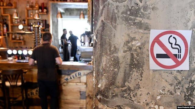 Armenia restringe fumar en interiores