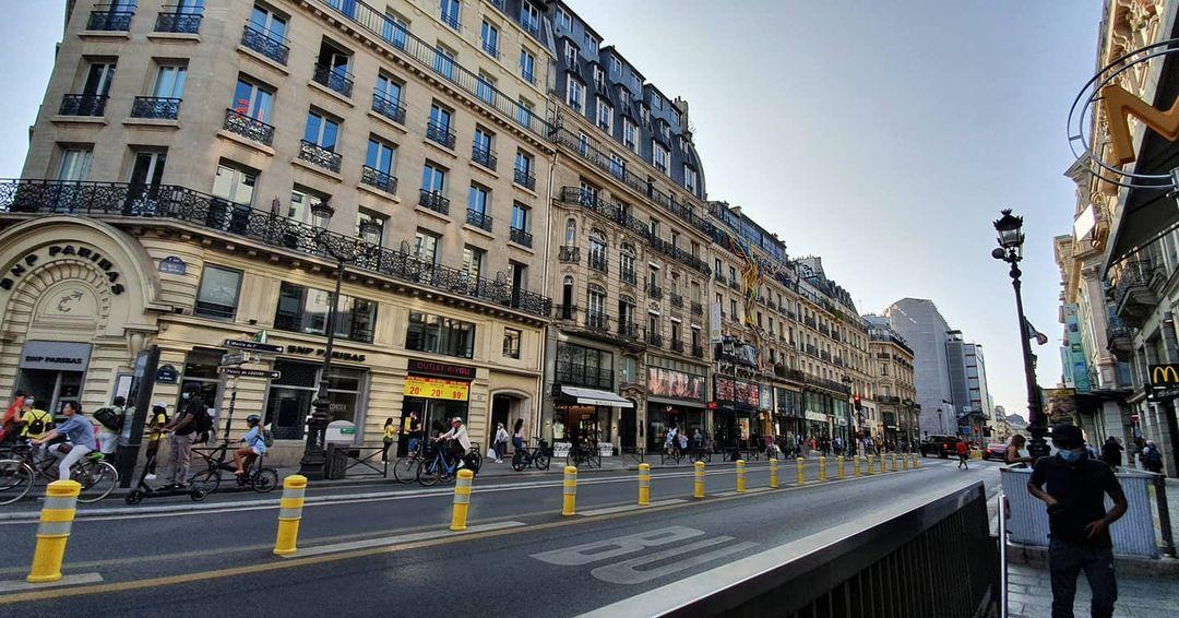Rivoli Surga Toko Fashion Branded Paris