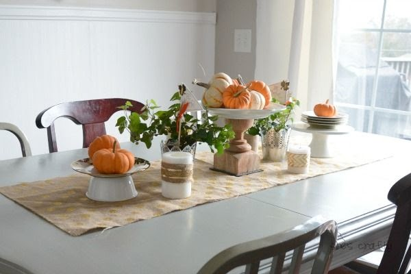DIY cake plate on a Fall Table with pumpkins