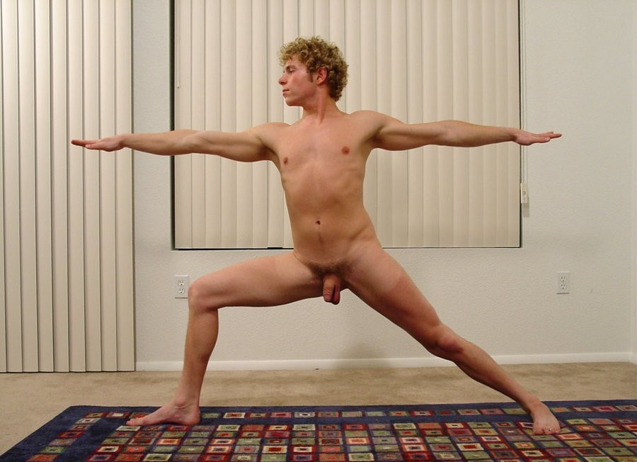 Naked Guys A Hairy Hole To Stretch