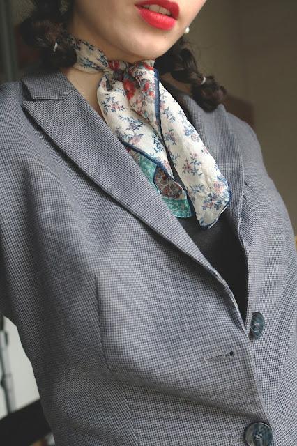 Robe grain de malice, blazer Benetton, chaussure Mimao