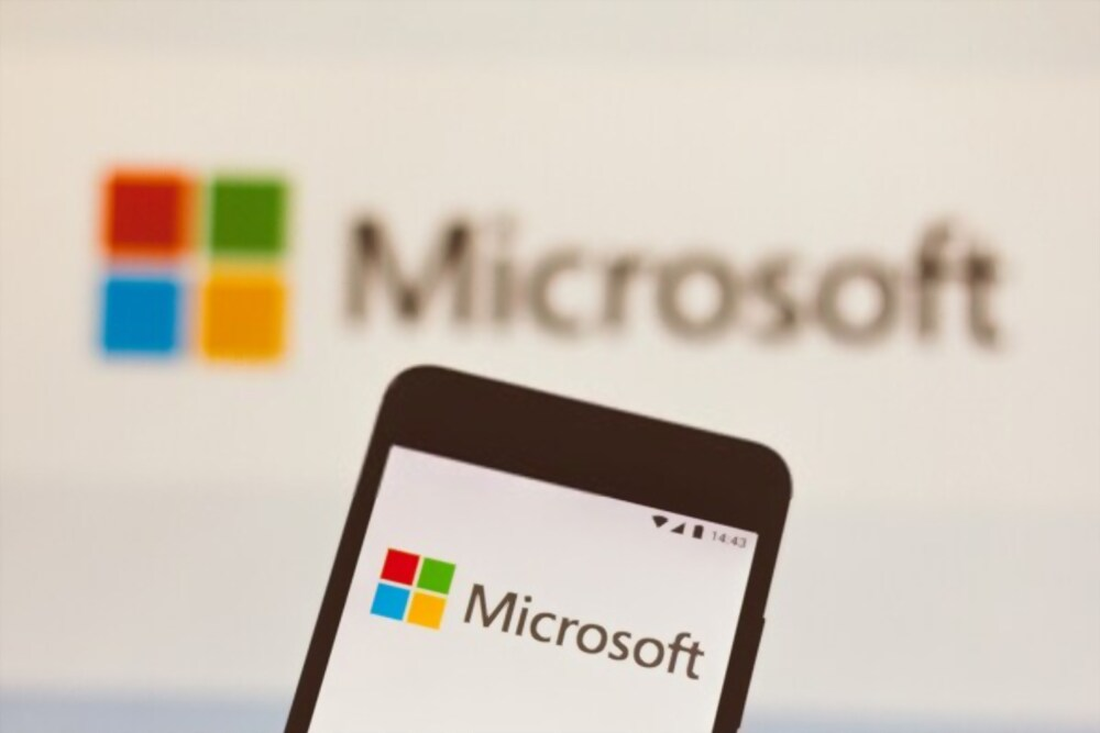 Hackers Stole emails from Microsoft cloud Services