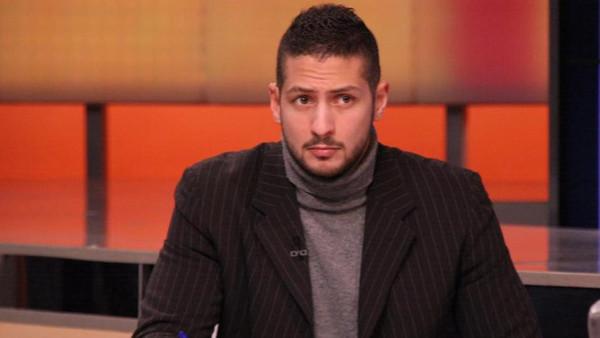 وصول جثمان الإعلامي عمرو سعد بعد أسبوعين من وفاته