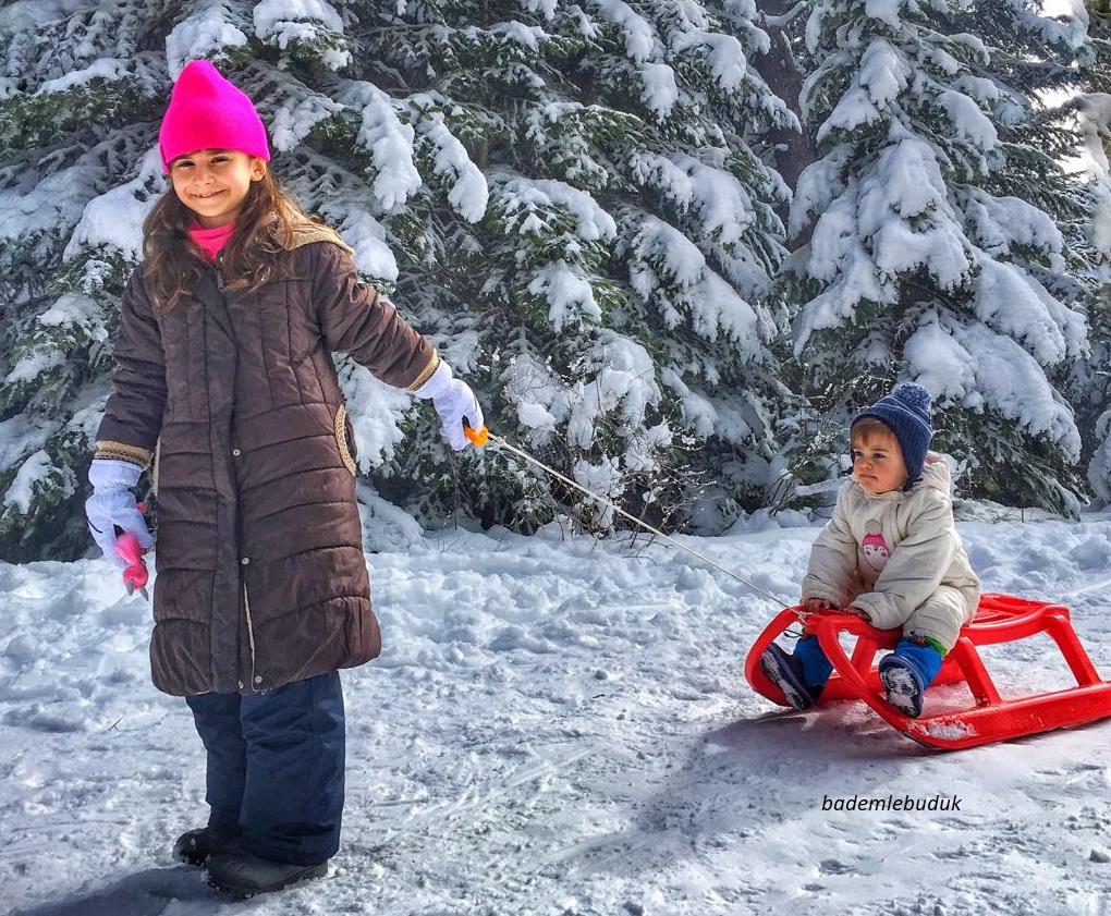 Çocuklarınızı karda dışarı çıkarın