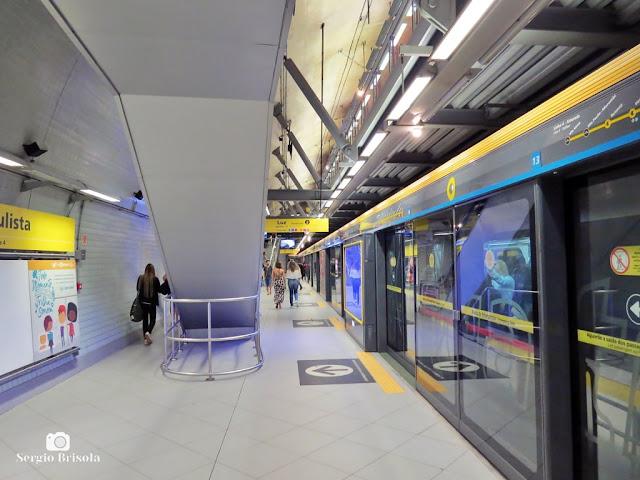 Vista da plataforma de embarque da Estação Paulista Metrô - Consolação - São Paulo