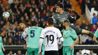 Courtois: I'm two metres tall and opponents get nervous when I go up for corners