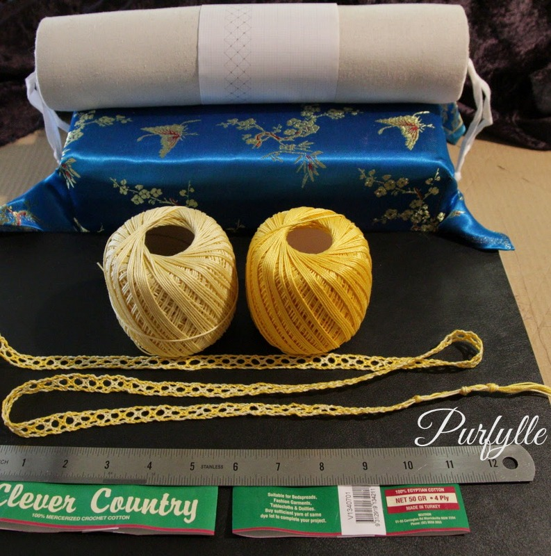 small bobbin lace roller pillow