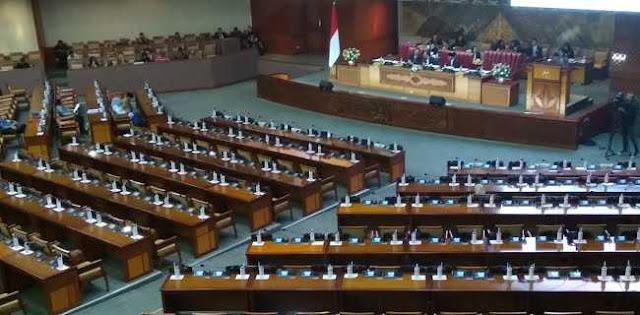 Dipimpin Utut Adianto, Rapat Paripurna DPR Dihadiri 298 Anggota
