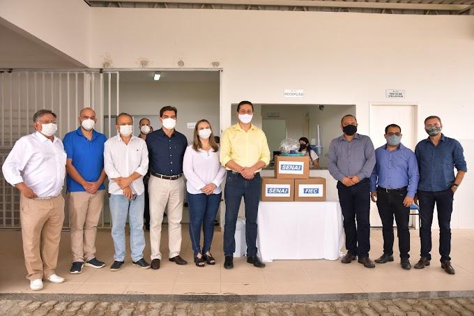 Juazeiro do Norte recebe doação de 10 capacetes Elmo para ajudar no tratamento da Covid-19