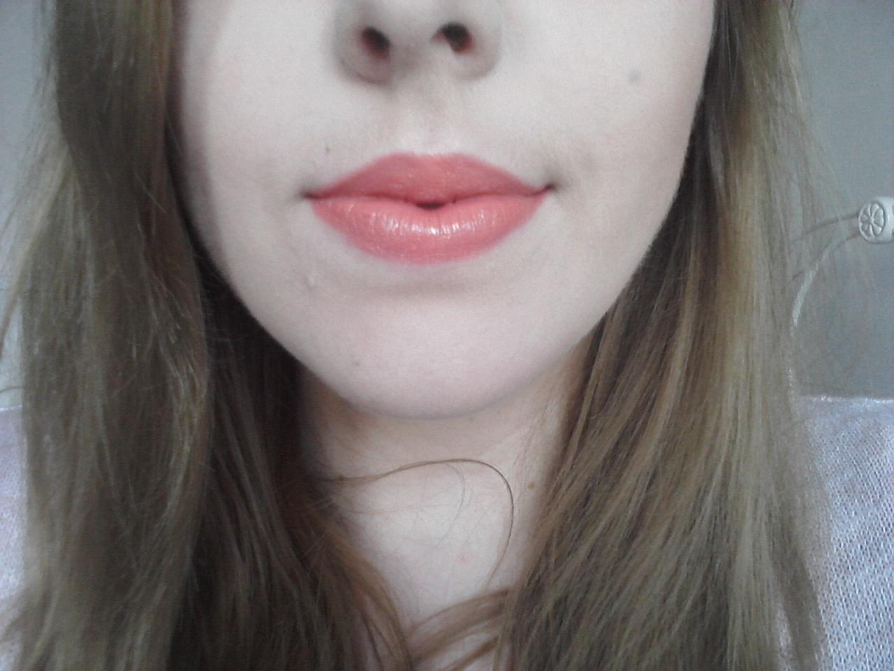 Love & Glamour: Lips of The Day #6: Mac Lipstick in Ravishing