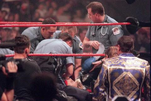 Ezen a napon a pankráció történelmében: Owen Hart tragédiája (1999. május 23.)