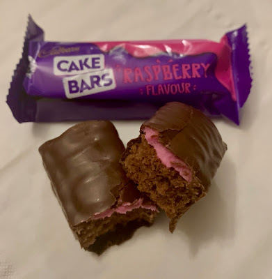 Cadbury Cake Bars - Raspberry Flavour