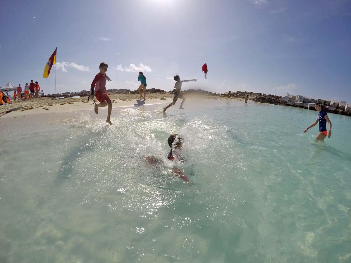 A Canuck in Mexico: Guardavidas Junior Cancun Curso de