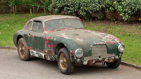 En busca del coche más ruinoso de España