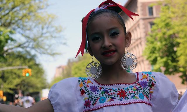 imagen de una joven mexicana mestiza