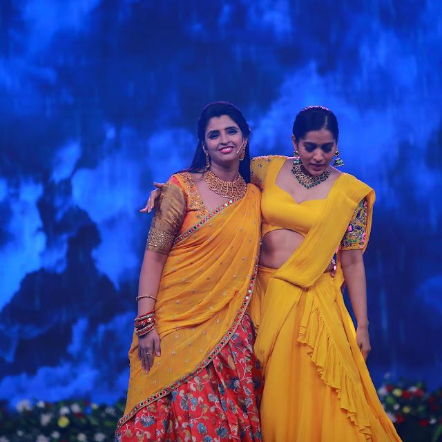 Anchor Syamala and Rashmi Gautam Pictures Actress Trend