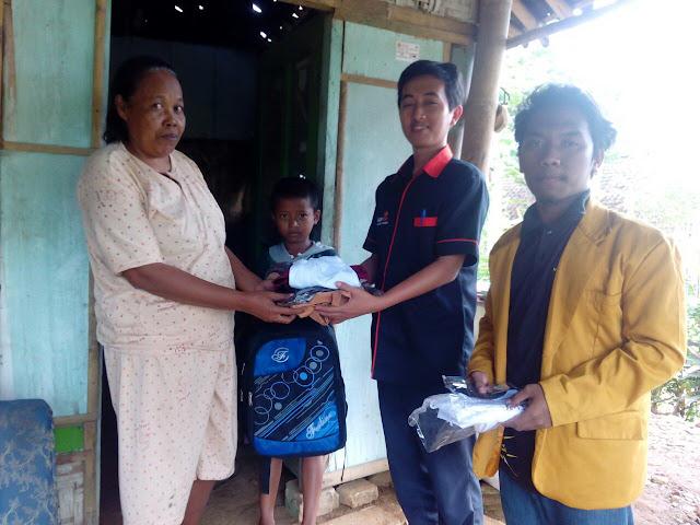Team Advokasi Pendidikan PD. IPM dan Lazismu Jember bersama Anak Putus Sekolah