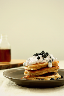 http://www.everydaycooking.pl/2014/07/pancakes-z-ricotta-cynamonem-kardamonem.html