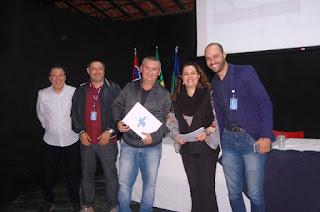 Geraldino Júnior e gerente regional do Sebrae, Michele Santos, assinam parceria para profissionalização e conexão de serviços turísticos
