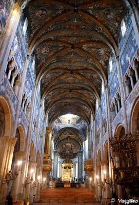 Gli splendidi affreschi all'interno del Duomo di Parma