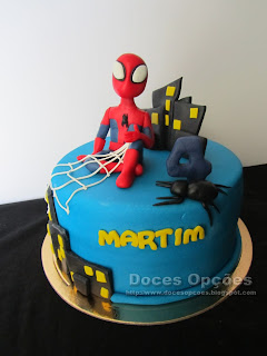 O Homem Aranha foi ao 4º aniversário do Martim