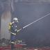 Μαίνεται η φωτιά στο σούπερ μάρκετ στο Χιλιομόδι Κορινθίας