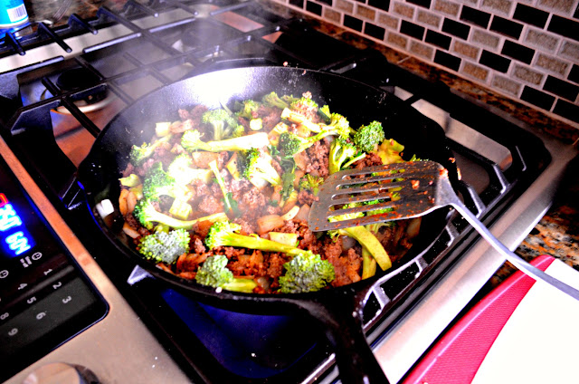 Easy-Fully-Loaded-Baked-Potatoes-Broccoli.jpg