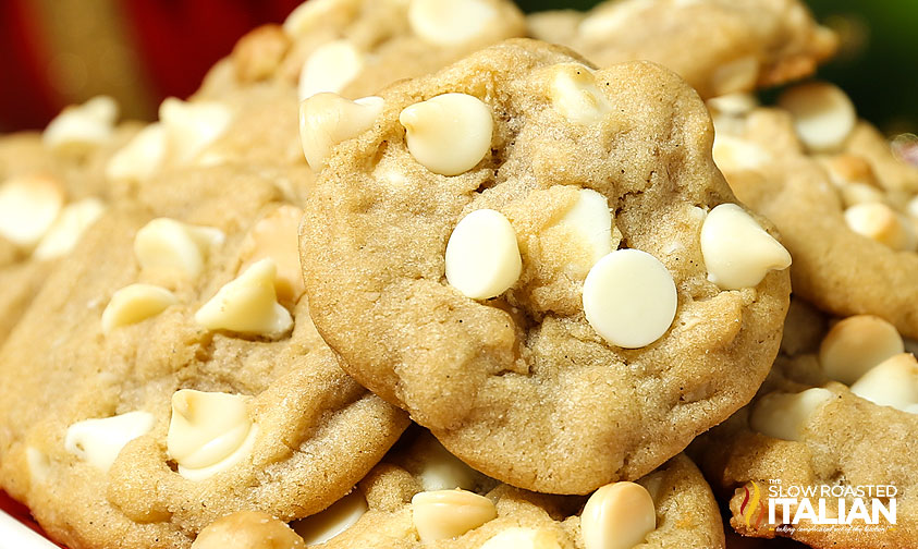 http://theslowroasteditalian-printablerecipe.blogspot.com/2014/12/best-ever-white-chocolate-macadamia-nut.html