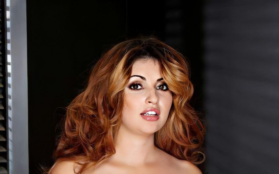 Natasha Malkova : A Drop-dead gorgeous babe