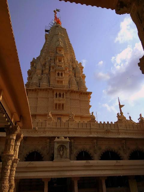 babulnath mandir, temple, lord shiva, malabar hill, girgaum chowpatty, mumbai, incredible india, religion, hindu, heritage, history