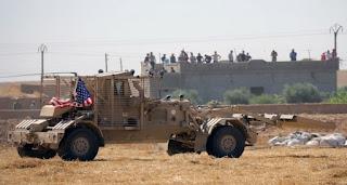 قوات روسية تقطع طريق دورية أمريكية شمال شرقي سوريا