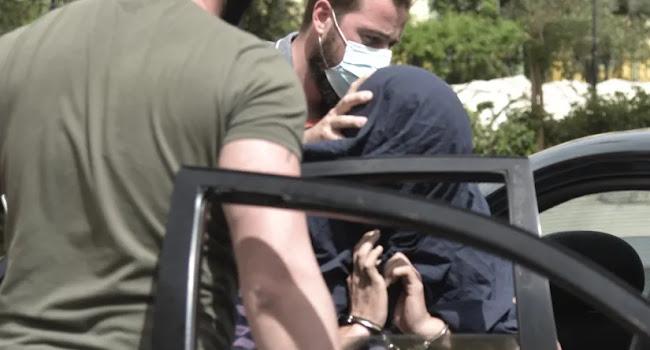 Νέα Σμύρνη: Απολογείται τη Δευτέρα ο 22χρονος επιδειξίας - Οι καταθέσεις που τον «καίνε»
