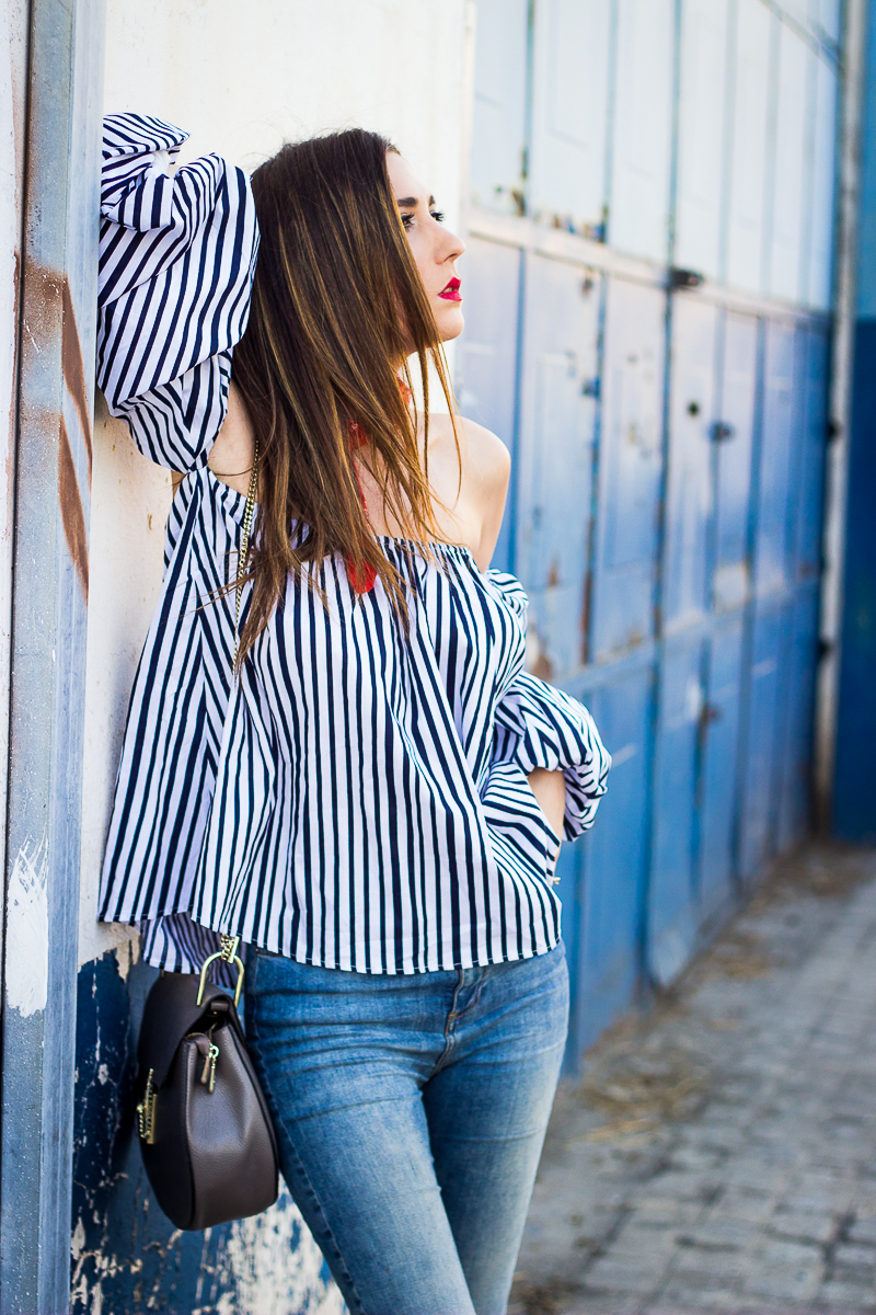 stripes shoulder off