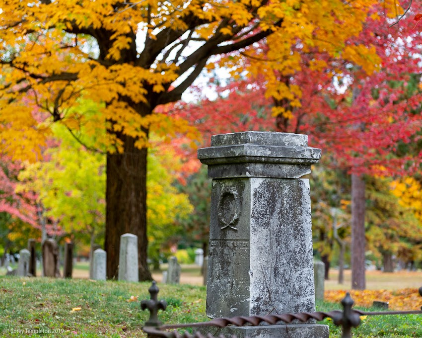 Portland, Maine USA October 2019 photo by Corey Templeton. Cemeteries always look good this time of year. Here's a few from the Western Cemetery in Portland last weekend.