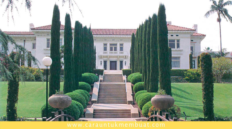 Ambassador College Campus - Pacific Horticulture Society