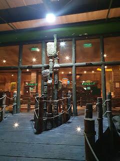 مطعم جانجل The Jungle / مطعم الغابات المطيرة