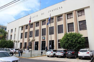 Oficina Judicial de Servicios de Atención Permanente envía a prisión a madre que lanzó agua caliente a su hija de 11 años