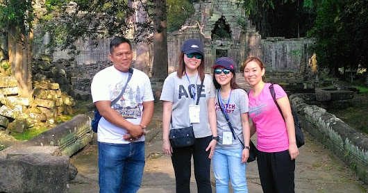Attentive Tour At Siem Reap