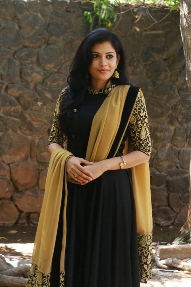 South Actress Sshivada Nair Sexy Photo gallery