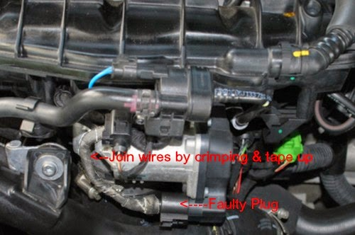 VW POLO: Throttle body plug
