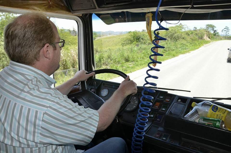 Oliva es procesado por asfaltar 20 kilómetros de una vía departamental